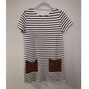 Dress with tan pockets
